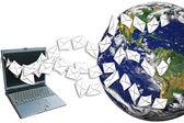 Ordenadores portátiles envían correo. — Foto de Stock