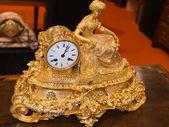 Luxurious decorative golden alarm clock — Stock fotografie