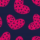 Pink hearts with holes seamless pattern — Vector de stock