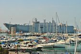 Spanish Navy aircraft carrier docked in the port city of Ceuta in Spain — Foto de Stock
