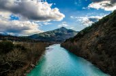 Arachthos River on the Mountains — Stock Photo