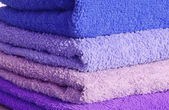 Stack of blue and purple towels — Stockfoto