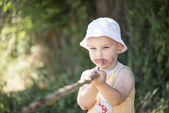 Child dirty mouth by mulberries — Stock Photo