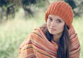 Cute teen girl in autumn — Foto de Stock