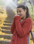 Beautiful girl freezing in autumn — Stock Photo
