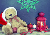 Christmas decoration with old bear, balls and lamp — Fotografia Stock