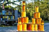 Homemade honey on the street market in Romanian mountains — Stock Photo