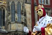 King mime in Prague — Stock Photo
