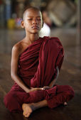 An unidentified Burmese Buddhist novice on December 6, 2012 in Yangon — Stok fotoğraf