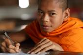 Unidentified Buddhist novice at a monastic school — Stock Photo