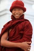 Unidentified Burmese Buddhist novice — Stock Photo