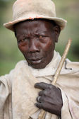 Elder Mursi man in Lower Omo Valley, Ethiopia — Stock Photo