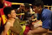 Muay Lao kick boxing fight in Laos — Foto Stock