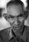 Portrait of an old man in Myanmar, Burma — Stock Photo