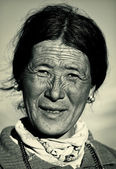 Old nomadic woman, Ladakh, India — Stock Photo