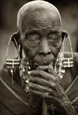 Portrait of an old Maasai woman in Loitoktok, Kenya. — Stock Photo