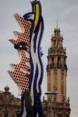 Symbol of Barcelona. Strange sculpture located in the center of Barcelona, — Stock Photo