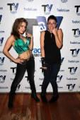 Erika Jordan and Amaya Brecher — Stock Photo
