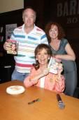 Lloyd Schwartz, Hope Juber, Dawn Wells — Stock Photo