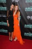 Zendaya Coleman, Bella Thorne — Stock Photo