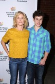 Julie Bowen, Nolan Gould — Stock Photo