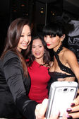 Bai Ling and fans — Stock Photo