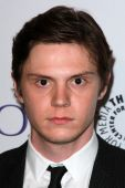 Evan Peters — Stock Photo