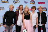 Pop rock band R5 — Stock Photo