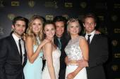 Max Erlich, Melissa Ordway, Hunter King, Matthew Atkinson, Kelli Goss, Lachlan Buchanan — Stock Photo