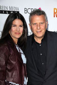 Paul Reiser and wife — Stock Photo