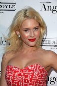 Renee Olstead — Stock Photo