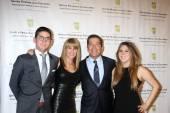 Ande Rosemblum, Bruce Rosenblum, family — Stock Photo