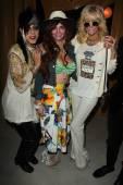 Sham Ibrahim, Phoebe Price, Jo Hilton — Foto Stock