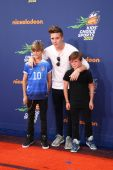 Brooklyn Beckham, Romeo Beckham, Cruz Beckham — Stock Photo