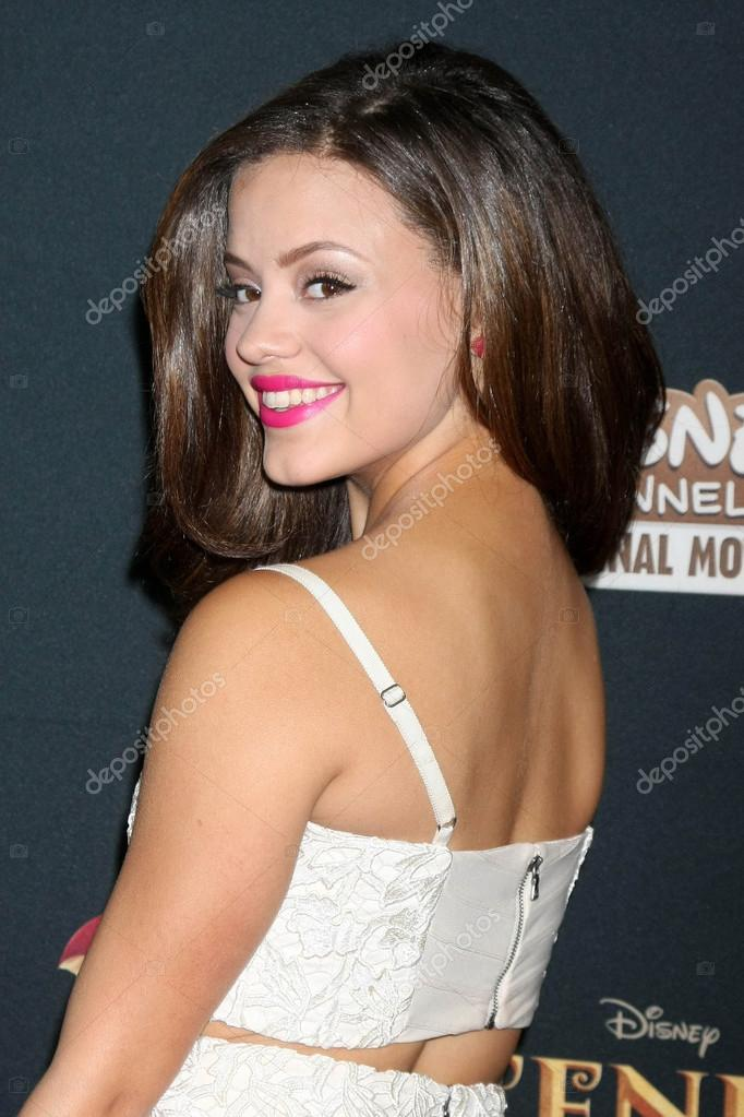 sarah jeffery ethnic background