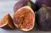 Fruits figs on white background — Stock Photo