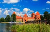 Old castle on the island, the town of Trakai, Lithuania — Stock Photo