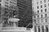 Pulitzer Fountain under the snow in black and white — Foto de Stock