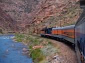 Train Through the Gorge — Stock Photo