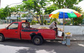 Man Selling Fruit From His Truck in Antigua Barbuda — Stock Photo