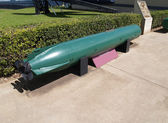 Green torpedo displayed in Pearl Harbor, Hawaii. — Zdjęcie stockowe