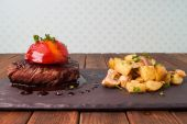 Sirloin steak with roasted potatoes — Foto Stock