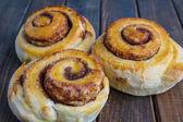 Tasty cinnamon buns — Stock Photo