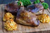 Roasted crispy duck leg — Stock Photo