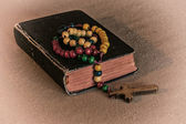 Rosary and prayer book2 — Stock Photo