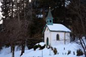 Small chapel in winter — Stock Photo