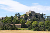 Historic castle and village on the hill, Ansouis in south of Fra — Stock Photo