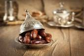 Dried date palm fruits or kurma, ramadan ( ramazan ) food — Stock Photo