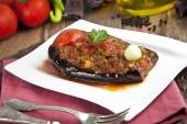 Turkish Traditional Aubergine Eggplant Meal - Karniyarik (Riven Belly) — Foto de Stock