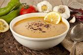 Lentil cream soup with lemon slices — Stock Photo